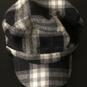 Black and white plaid wool newsboy hat